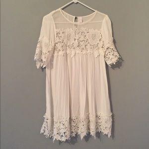 White lace dress - boutique